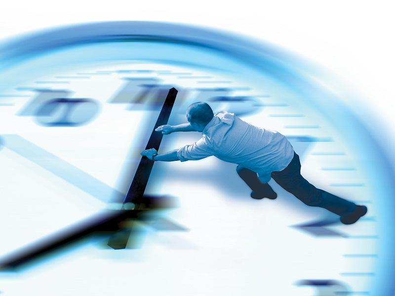 часы, время, мужчина в рубашке, стрелки, циферблат