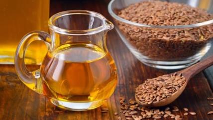 Польза льняного масла, вред, как принимать и выбирать продукт