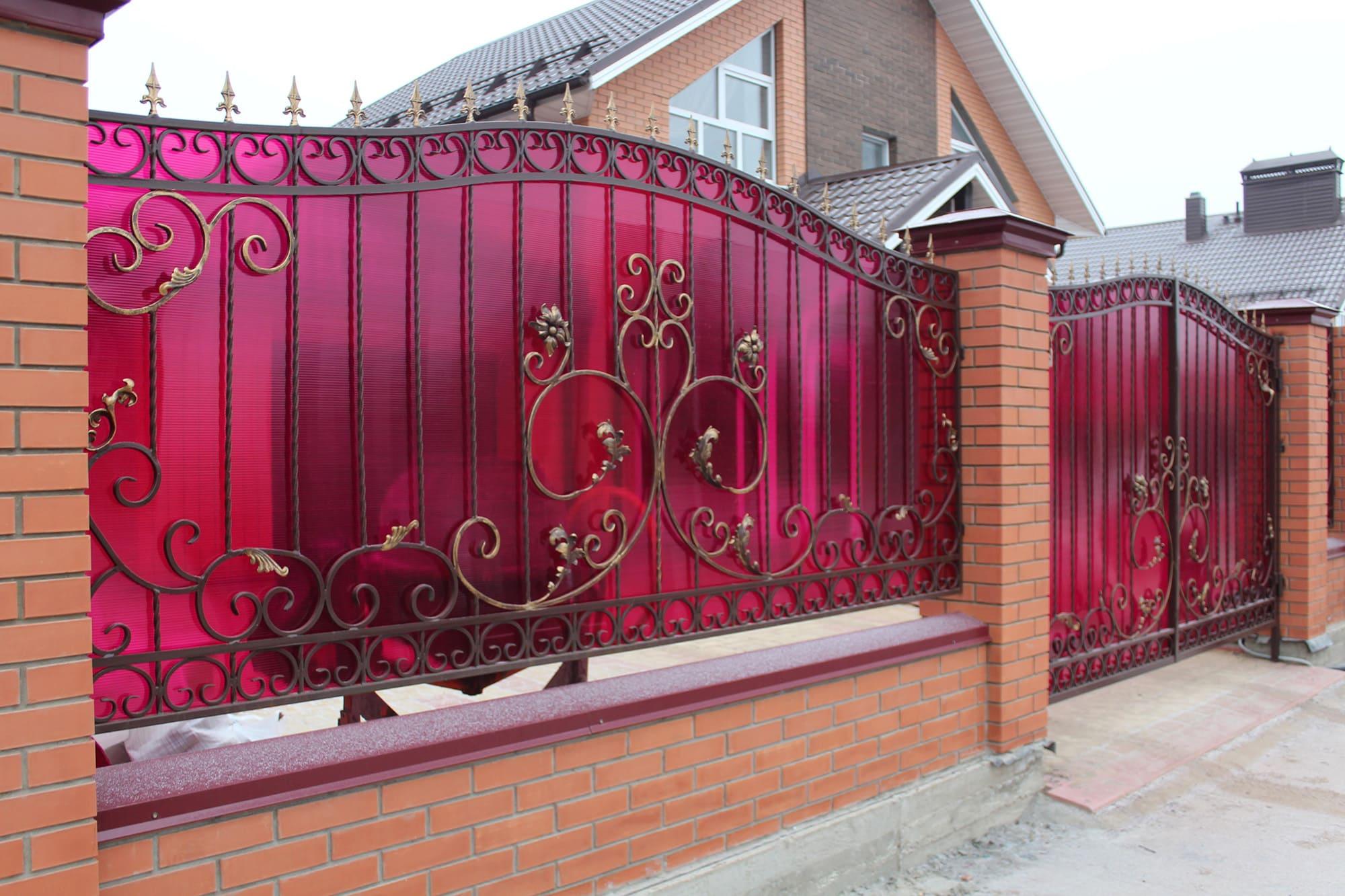 забор кованый с поликарбонатом фото берите съёмки