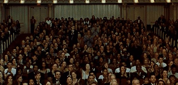 Гифка аплодисменты в большом зале