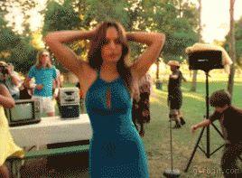 Гифка танцуют в сериале