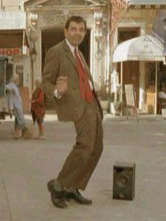 Гифка танцует мистер Бин