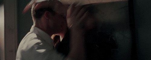 гифка страстный поцелуй дженнифер лопес и бред питт