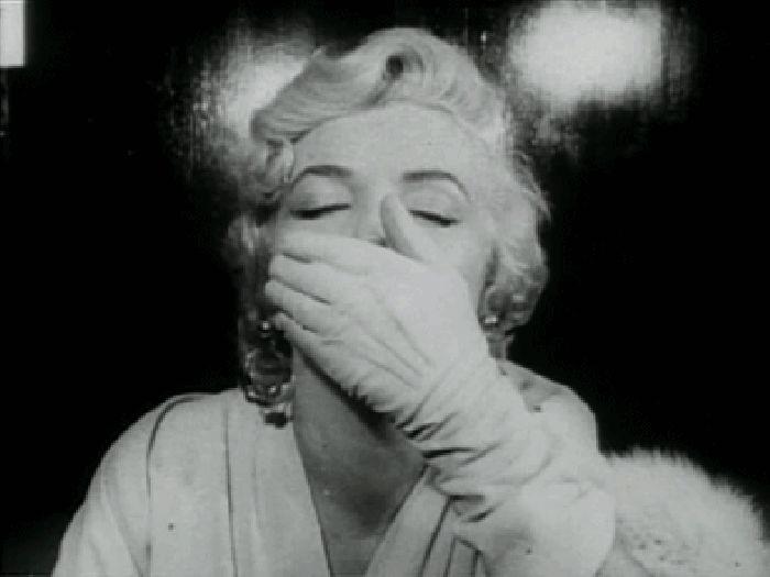 """Гифки """"воздушный поцелуй"""". Подборка gif анимации"""