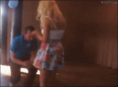 девушка падает в обморок когда ей делает предложение парень