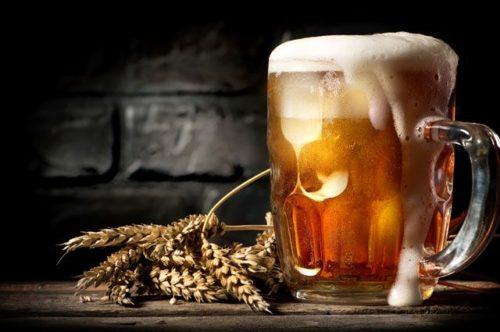 Стеклянная кружка пива