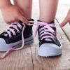 Как научиться завязывать шнурки