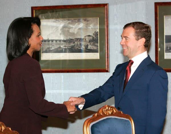 Фото Дмитрия Медведева с Кондолизой Райс. История встреч политиков