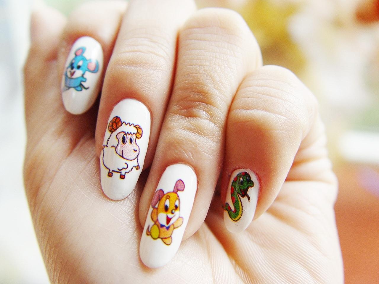 Рисунок прикольный на ногтях