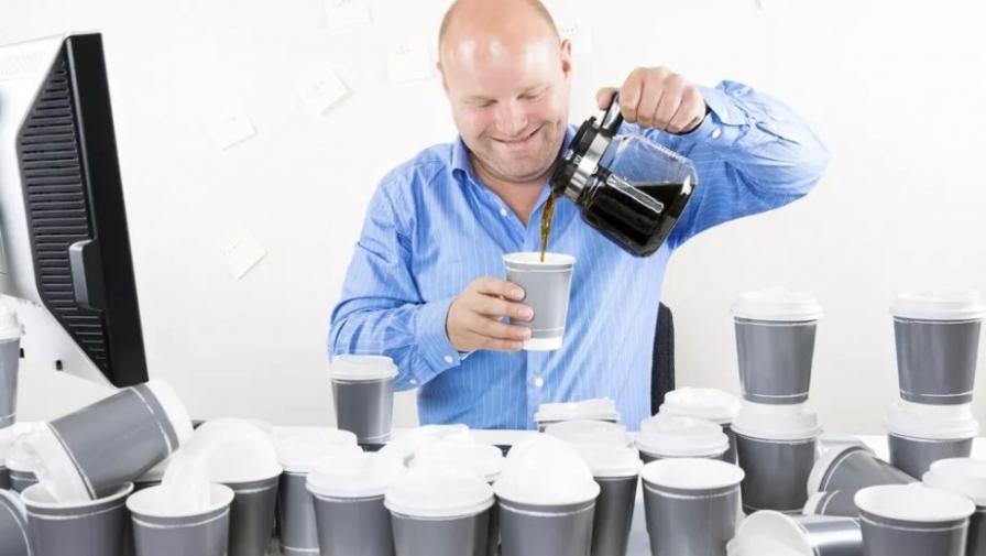 Что будет если выпить много кофе? Последствия передозировки напитком