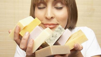 Что будет, если съесть мыло? Видео рискнувших